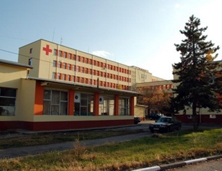 Шест стажант-медицински сестри подсилиха медицинските екипи в инфекциозното отделение и