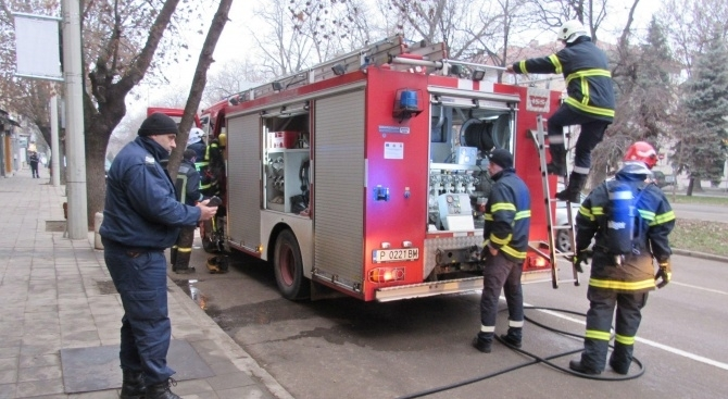 Пожар в хранителен магазин във Видин се е разминал без