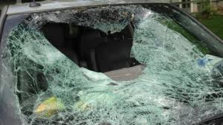 Служители на реда са хванали бандит, изпотрошил кола в монтанското