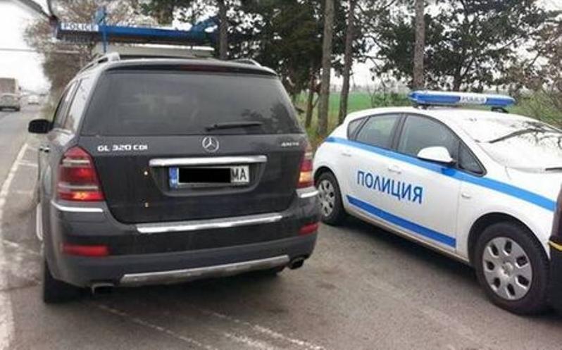 """Полицейски служители са хванали дрогиран плевенчанин зад волана на """"Мерцедес"""""""