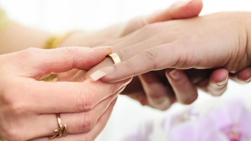 Абортите и еднополовите бракове стават законни в Северна Ирландия. В