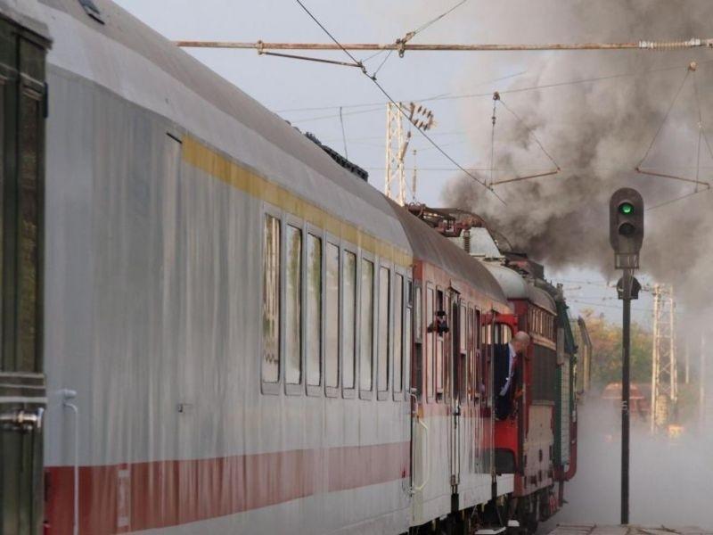 Огнен инцидент е станал днес с влак на БДЖ. Запалил