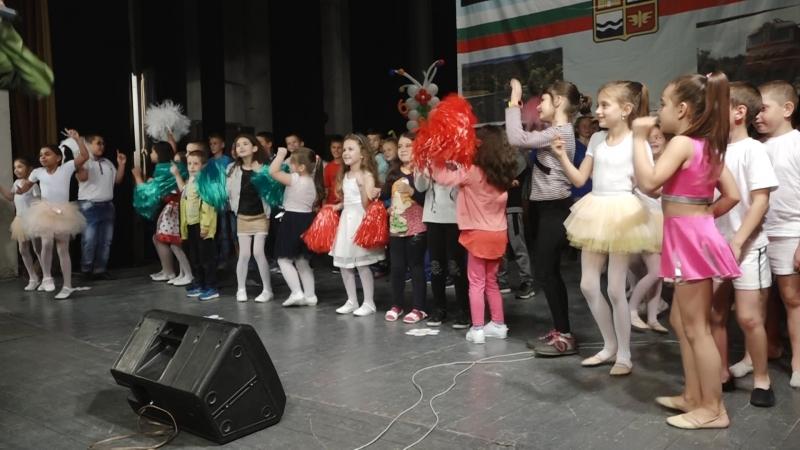 Децата и младежите от Центъра за подкрепа на личностно развитие