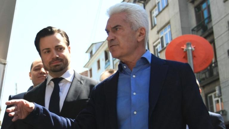 """""""Атака"""" сме против сътрудничество с ВМРО и НФСБ. Това отсече"""