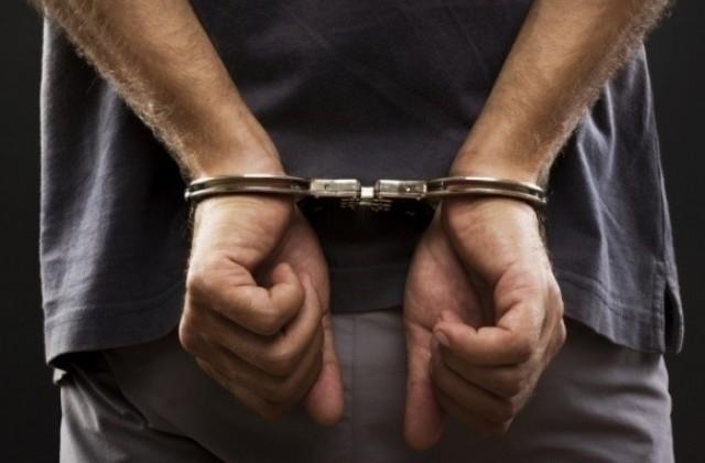 Елитните части на френската полиция арестуваха мъж, който се беше