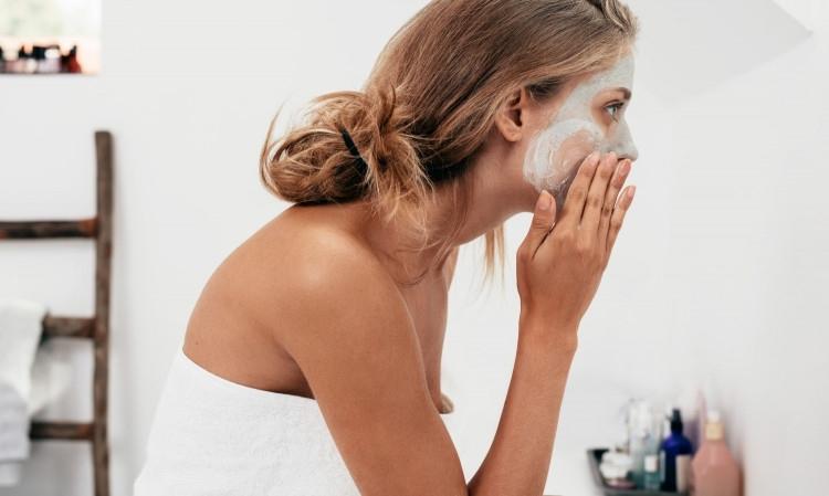 Препоръчително е да избелвате кожата си през есента, в противен