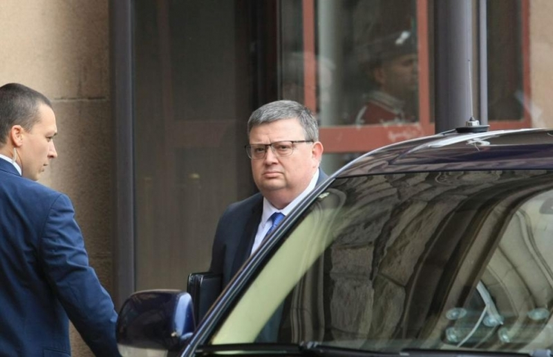 Парламентът избра настоящия главен прокурор Сотир Цацаров за председател на