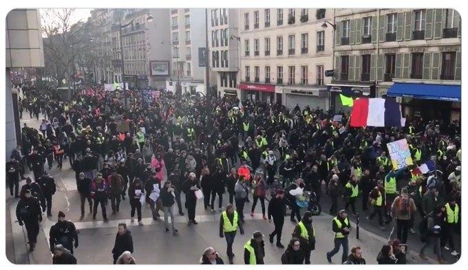 Синдикалните организации във Франция обявиха ново мобилизиране на продължаващата от