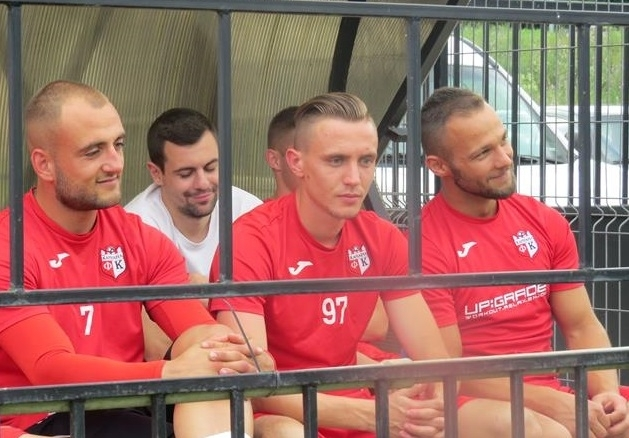 "Двама нови футболисти очаква старши треньорът на ""Кариана"" Веселин Великов"