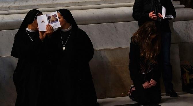 Две монахини, работещи в католическо училище в Калифорния, признаха злоупотреби