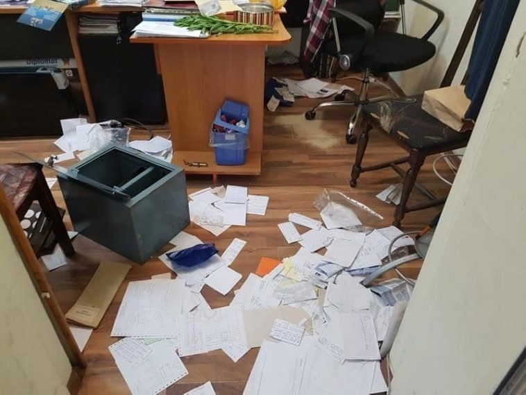 Снимка: Апаши претарашиха  фирмен офис във Видин