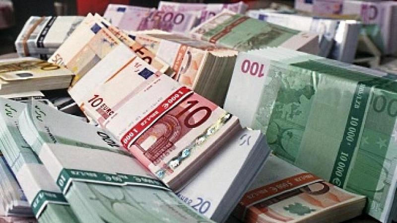 Снимка: $2,4 млрд. донесли в България през 2018 г. гурбетчиите