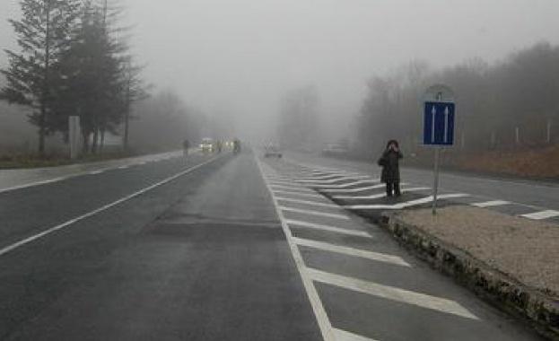 I.ОГРАНИЧЕНИЯ ЗА ТОВАРНИ АВТОМОБИЛИ: Забранява се движението на моторни превозни