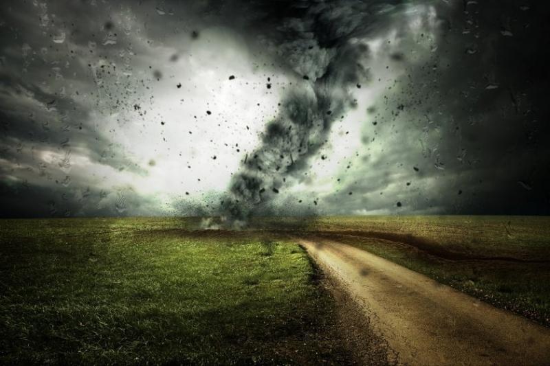 Четирима души загинаха при ураган в руския уралски град Екатеринбург
