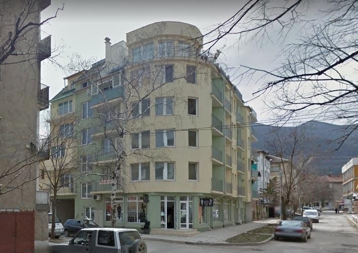 Сложиха на тезгяха магазин в центъра на Враца