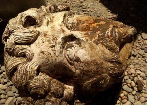 Археолози откриха в Египет бюст на римския император Марк Аврелий,