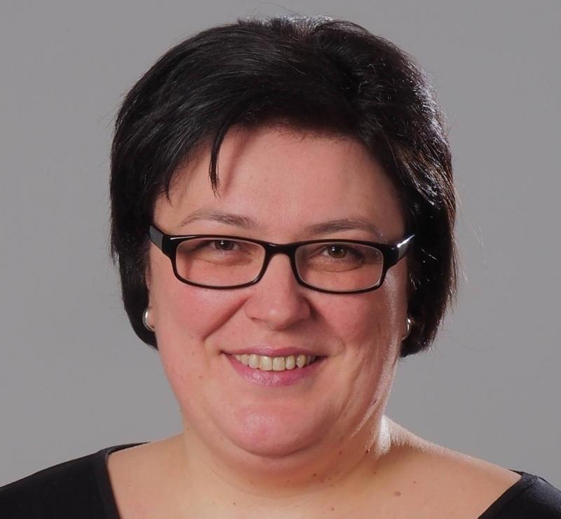 """Елена Петрова: Аз съм жената на """"терориста"""", който запали колата пред общината във Враца"""