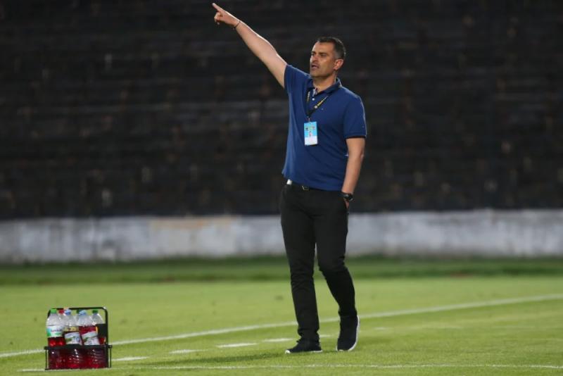 """""""Ботев"""" (Враца) и треньорът Веселин Великов се разделиха тази сутрин."""