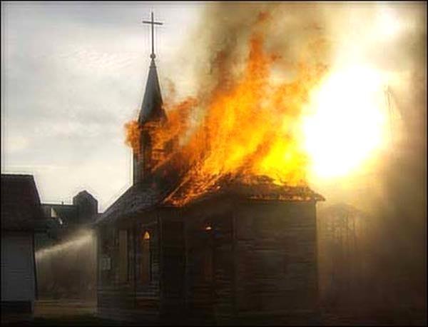 24 души са убити при нападение над църква