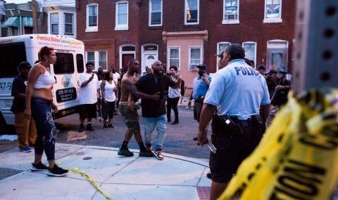 Шест души са пострадали в резултат на престрелка в американския