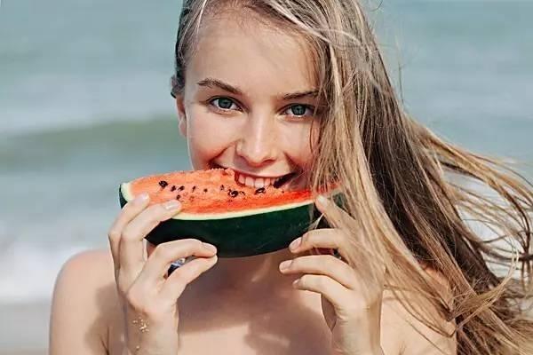 Eдва ли има по-препоръчвана и полезна храна от плодовете. Специалистите