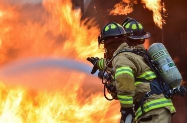 Близо 700 дка пожари в сухи треви, стърнища и отпадъци