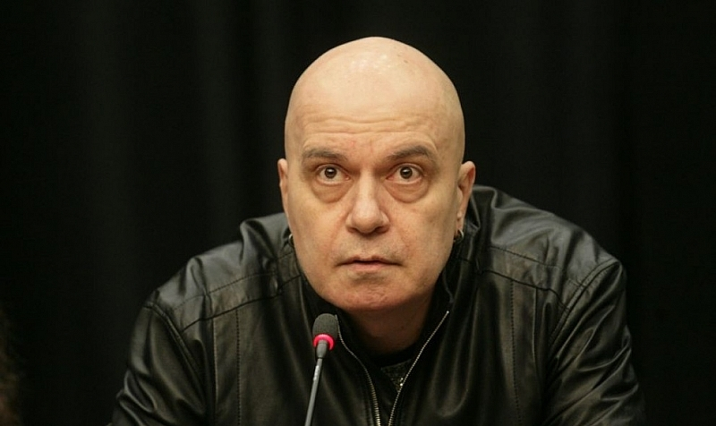 Слави Трифонов: Абе хора, какво става, бе?! Външният ни министър не просто лъже