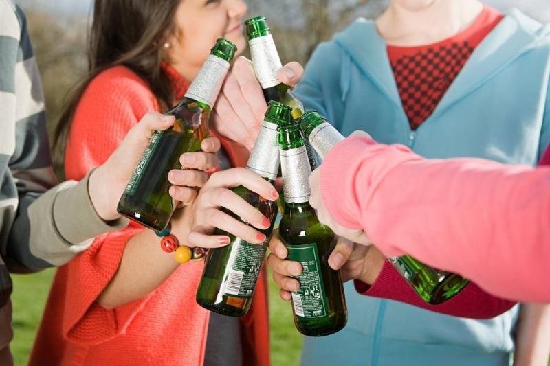 Колко рано пропиват днешните младежи?