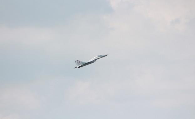 Два самолета се удариха в небето над Франция, петима загинаха