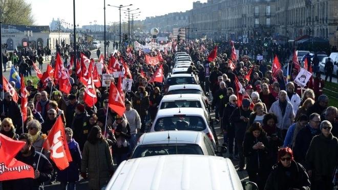 Национална стачка срещу пенсионната реформа блокира Франция