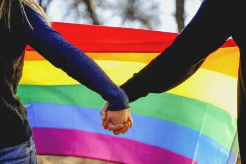 Националният съвет на Монако прие законопроект, позволяващ на всички двойки,