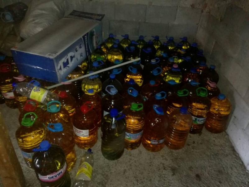 Полицията е иззела туби с нелегален алкохол във Видинско, съобщиха