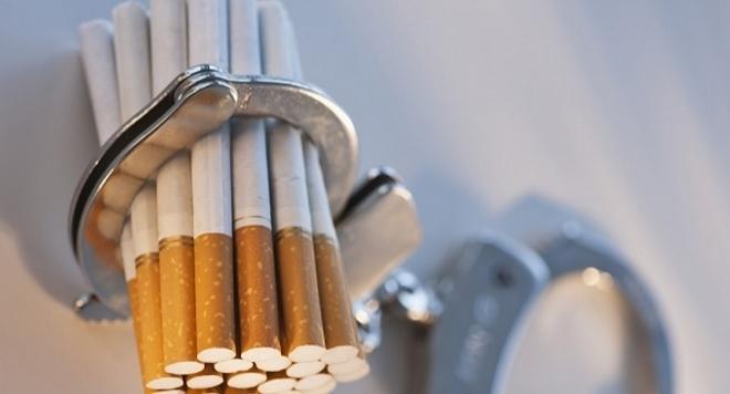 1080 къса цигари без бандерол иззели полицейски служители от жена