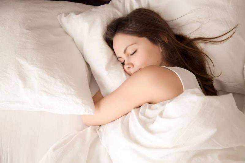 Хората, които спят по-малко от 7 часа, се простудяват три
