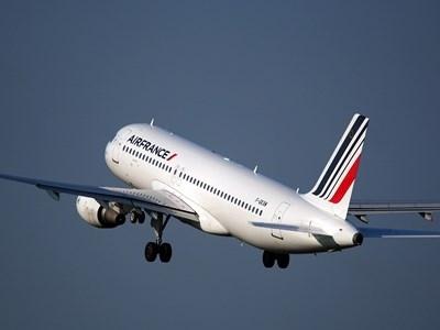 Заради стотици стачки и остаряло оборудване френските авиодиспечери са отговорни