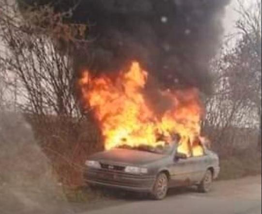 Лек автомобил се е запалил в движение на пътя между
