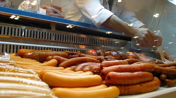 Въвеждането на задължителни стандарти за основните храни подготвя земеделското министерство.