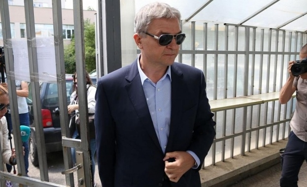 Обвиненият за търговия с влияние секретар на президента по правните
