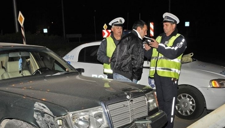 Хванаха пиян да юрка кола из Врачанско, сложиха му белезниците,