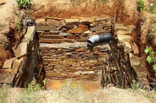 Септична яма застрашава качеството на питейната вода в монтанско село,
