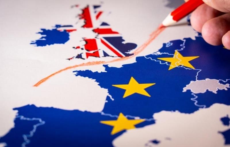 Лондон заплашва с Брекзит без споразумение