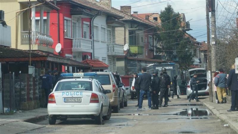 Трима арестувани при спецакцията на полиция, жандармерия и ГДБОП в ромската махала на Видин