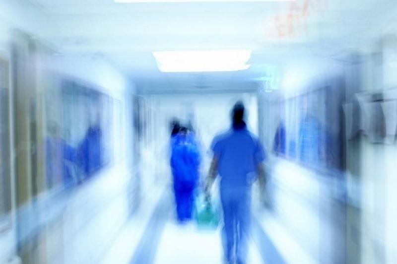 """Пациентка в """"Пирогов"""" сеоплака, че медицинска сестра ѝ ударила шамарислед"""