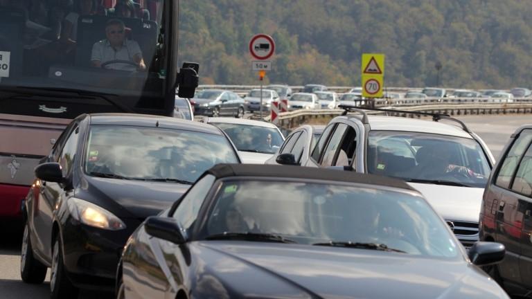 Драстични промени в Закона за движение по пътищата обмисля работната