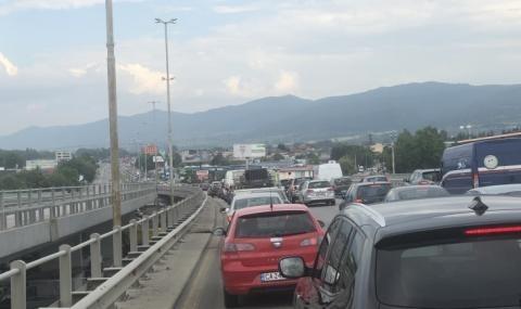 Броят на автомобилите в страната сериозно намалява. За пет години