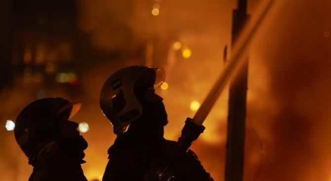 Четирима души изгубиха живота си при пожар в къща в