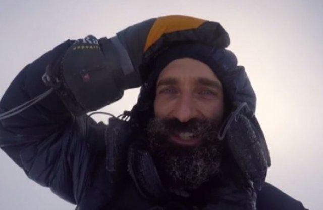 Италианец ще живее 12 месеца на топящ се айсберг в