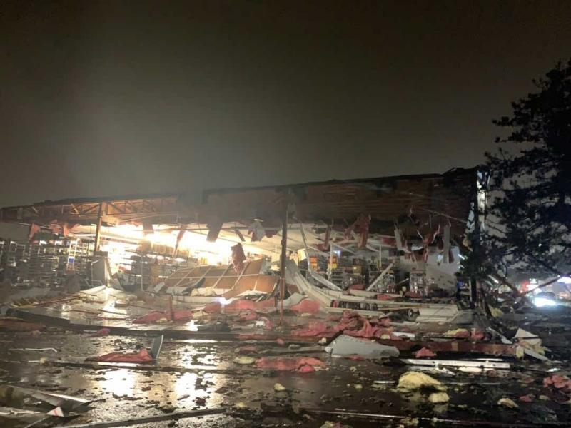 Торнадо удари най-големия град в щата Южна Дакота – Сиукс