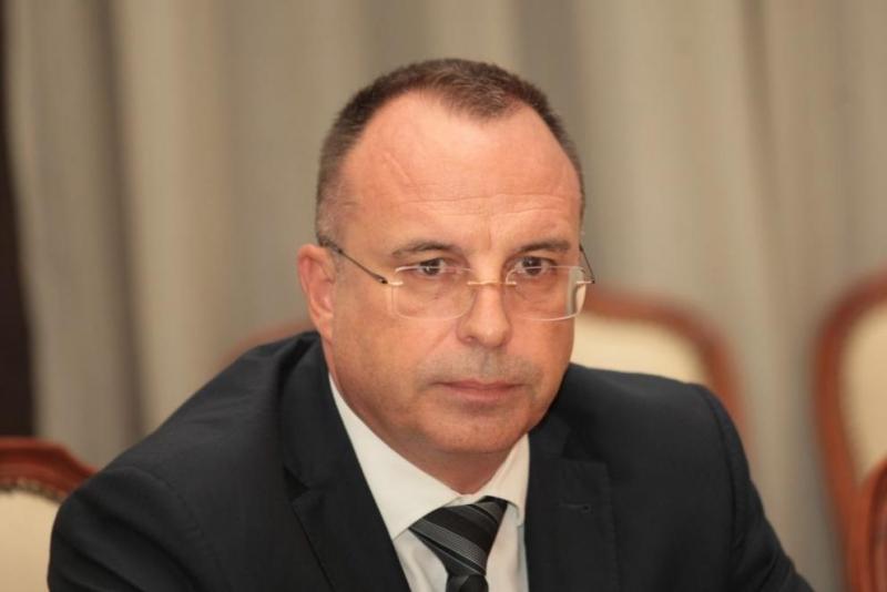Порожанов подаде оставка, Бойко Борисов я прие