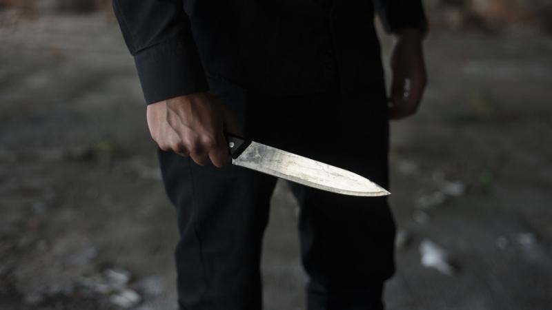 Психично болен мъж рани 11 души с нож при нападение